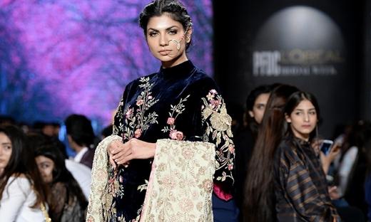 2018春夏婚纱[Jeem]巴基斯坦时装发布会