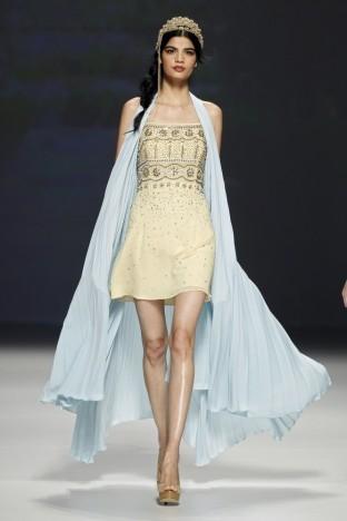 2015春夏婚纱[Matilde Cano]巴塞罗那时装发布会