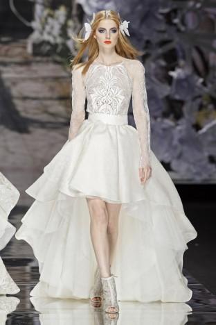2015春夏婚纱[Yolan Cris]巴塞罗那时装发布会